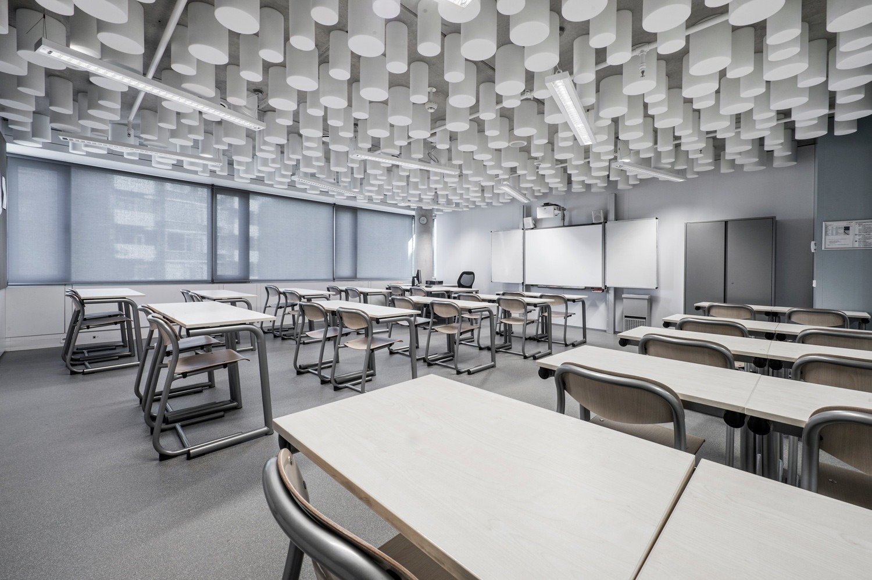 6-rolgordijnen-medium-elektrisch-Sint-Nicolaaslyceum-Amsterdam