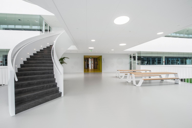 2-Universiteit-Leiden-Faculteit-der-Wiskunde-en-Natuurwetenschappen